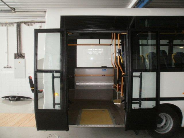 Dveřní pohon BASIC firmy REDOSY-CZ s.r.o. vminibusu